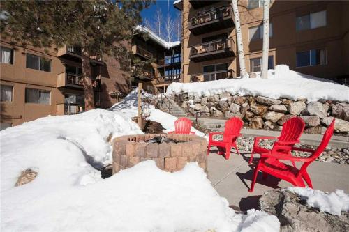 Storm Meadows East Slopeside - SE050 Condominium - Steamboat Springs, CO 80487