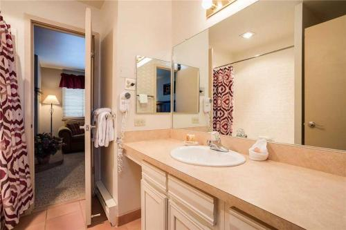 Beautifully Appointed 1 Bedroom - West 3421 - Steamboat Springs, CO 80487