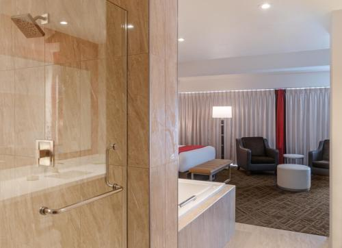 accessible hotels – Bally's Las Vegas Hotel & Casino