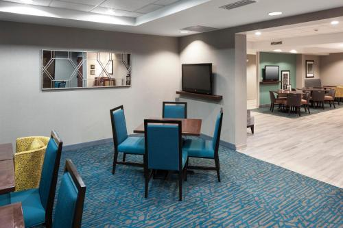 Hampton Inn Kansas City Liberty - Kansas City, MO MO 64158