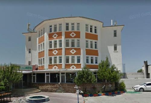 Madi Van Hotel