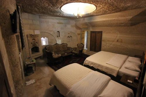 Family Cave Suite Hotel