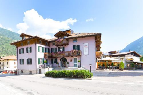 Alp Hotel Dolomiti Dimaro