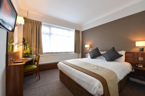 Best Western Manchester Altrincham Cresta Court Hotel - Photo 4 of 66
