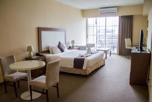 Central Park Hotel & Casino room photos