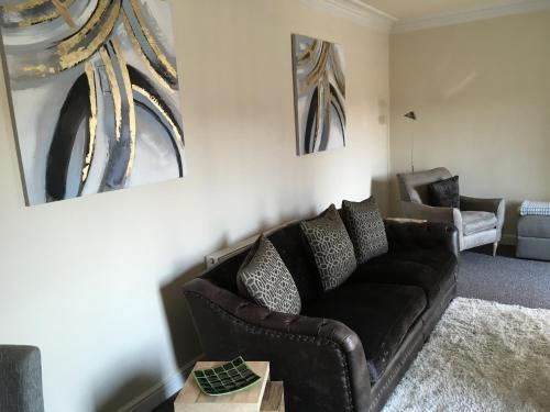 11 Warmsworth Mews Apartment
