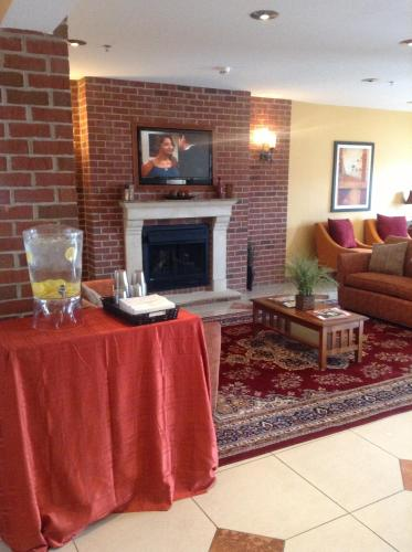 Microtel Inn & Suites By Wyndham South Bend/At Notre Dame - South Bend, IN 46637