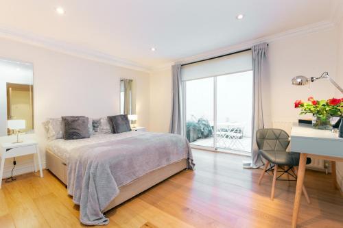 Harrods Luxury Apartment