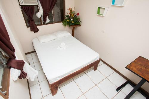 Double Room with Shared Bathroom with AC