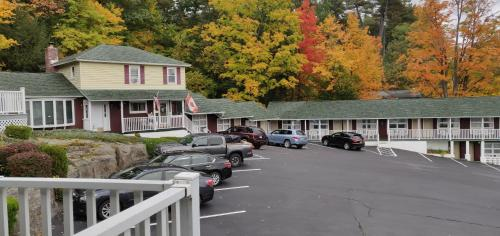 Pinebrook Motel - Lake George, New York