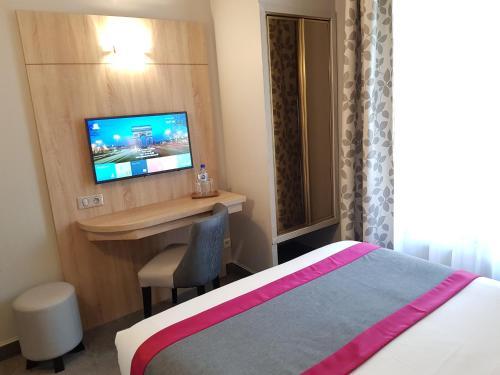 Hotel Champerret Elysees photo 44