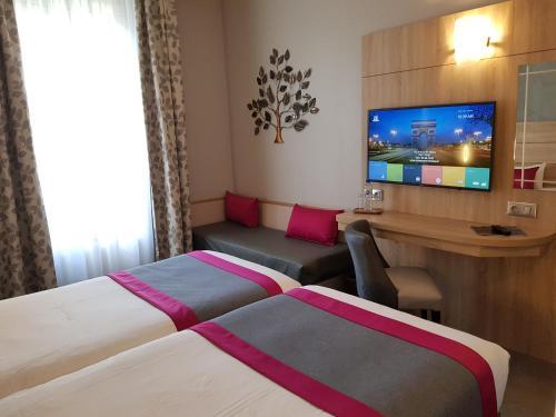 Hotel Champerret Elysees photo 46