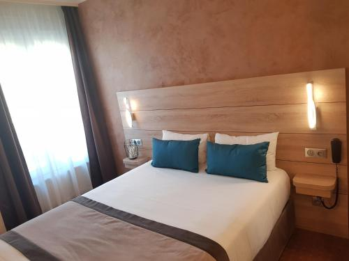Hotel Champerret Elysees photo 49