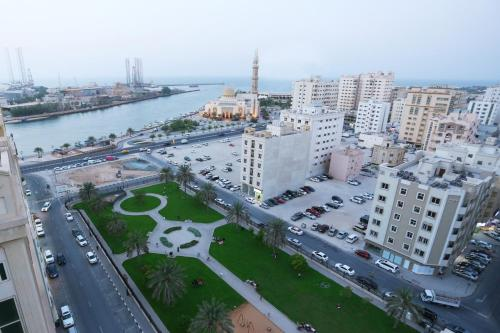 Al Hamra Hotel - Photo 5 of 47