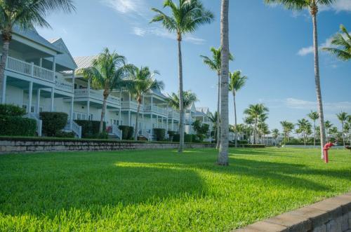 hotels near florida aquarium