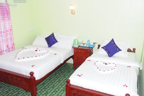 . Khaing Yatanar Motel