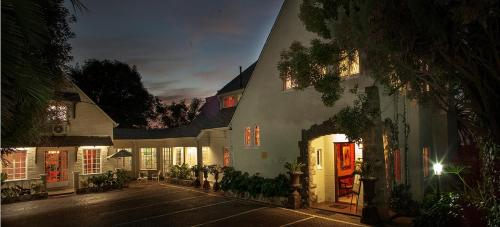 Northcliff Manor Guesthouse (B&B)