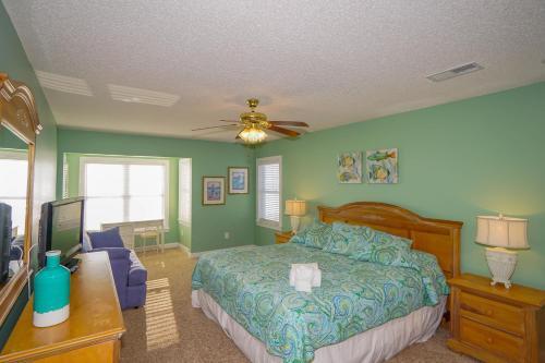 Marlin View - Seven Bedroom Home, Georgetown