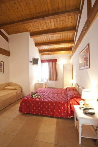 Hotel Ferrara - La Tortiola & Rooms room photos
