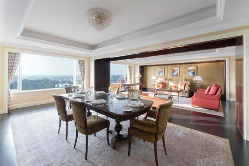 Suite Singapore Valley Wing (Valley Wing Singapore Suite)