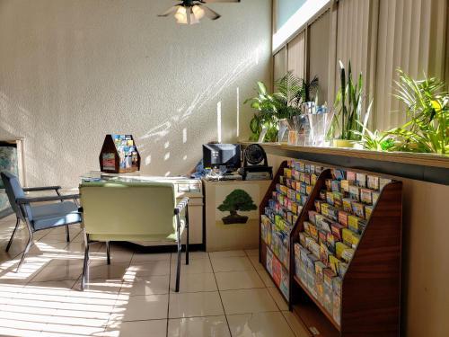 Vacation Rental Suites At Waikiki Sunset