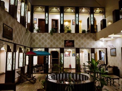 . Dwivedi Hotels Sri Omkar Palace