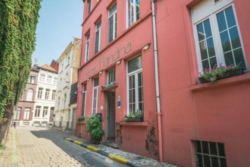 Flandria , Pension in Gent