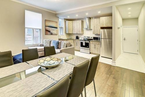 . Montreal Mile-End Apartment #201 by Plateau Prime Suite