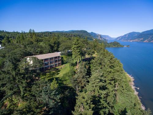 . Westcliff Lodge