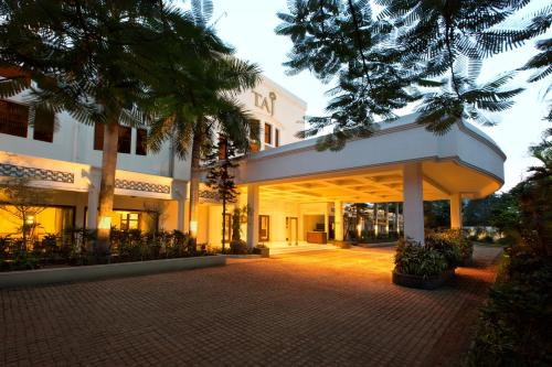 Resorts in Chennai for Couples that will Make You Fall in Love Again!