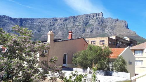 19 Carstens Street, Cape Town, 8001, South Africa.