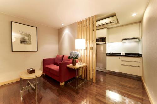 12th Avenue Hotel Bangkok photo 27