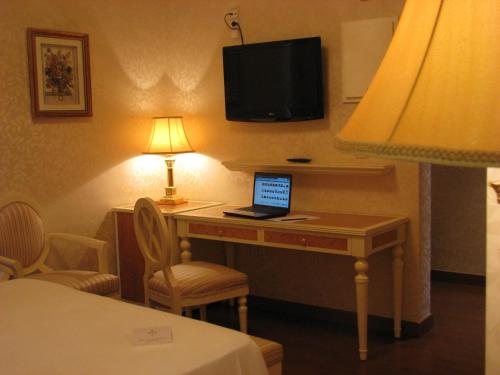 Double Room Hotel Santa Isabel 10