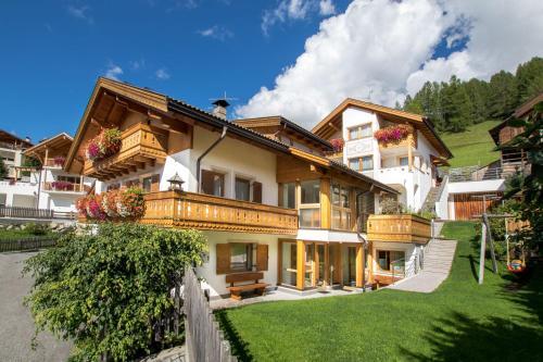 Appartamenti Vilin & Ruances Alta Badia-San Cassiano/Sankt Kassian