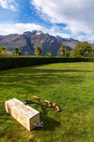 569 Glenorchy Road, 9348 Queenstown, New Zealand.