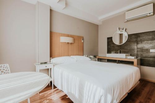 . Hotel Isasa