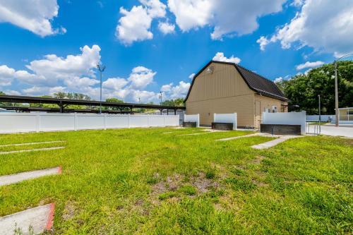 Rainbow Village Zephyrhills - Zephyrhills, FL 33541