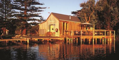 . Boathouse - Birks River Retreat