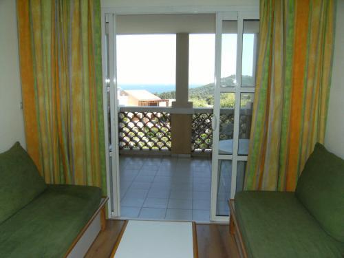 A-HOTEL.com - Cap Estérel Vacances - studio mer G2 terrasse ...