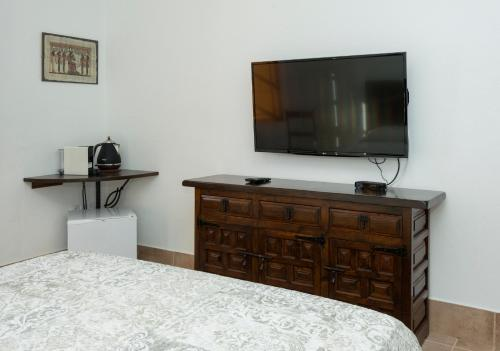 Junior Suite with Terrace - single occupancy Finca Isolina Hotel Boutique 5