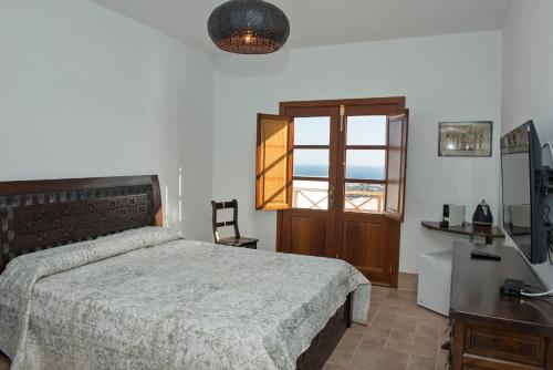 Junior Suite with Terrace - single occupancy Finca Isolina Hotel Boutique 4