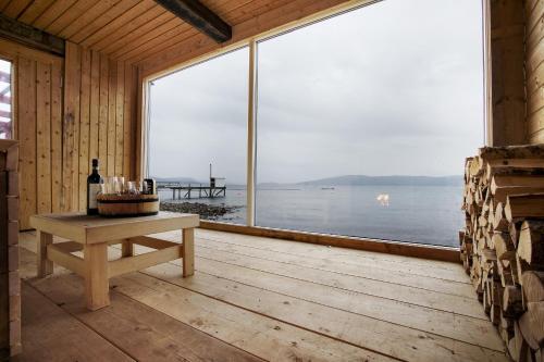Buvik Sea Lodge - Photo 3 of 27