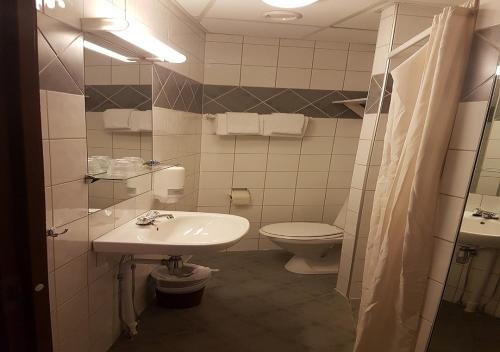 Best Western Chesterfield Hotel - Photo 6 of 68