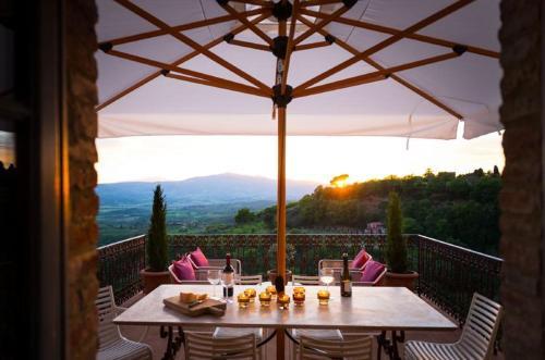 . Monteleone d'Orvieto Apartment Sleeps 6 Pool WiFi