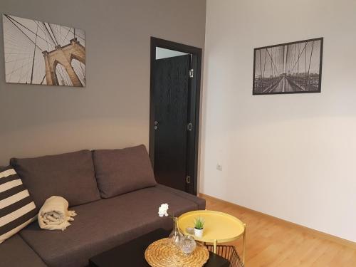 Radomir Downtown Apartments - Photo 4 of 29
