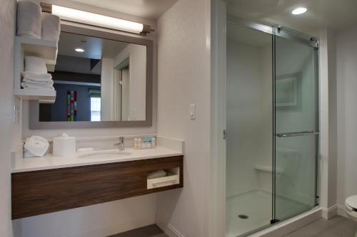 Hampton Inn & Suites Chicago/Aurora - Aurora, IL IL 60506
