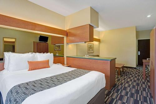 Microtel Inn & Suites By Wyndham Bushnell - Bushnell, FL 33513