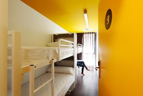 Amistat Beach Hostel Barcelona photo 2