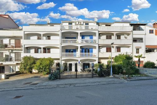 Apartments Maja 1298