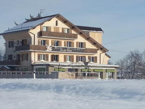 . Hôtel Restaurant Le Gai Pinson